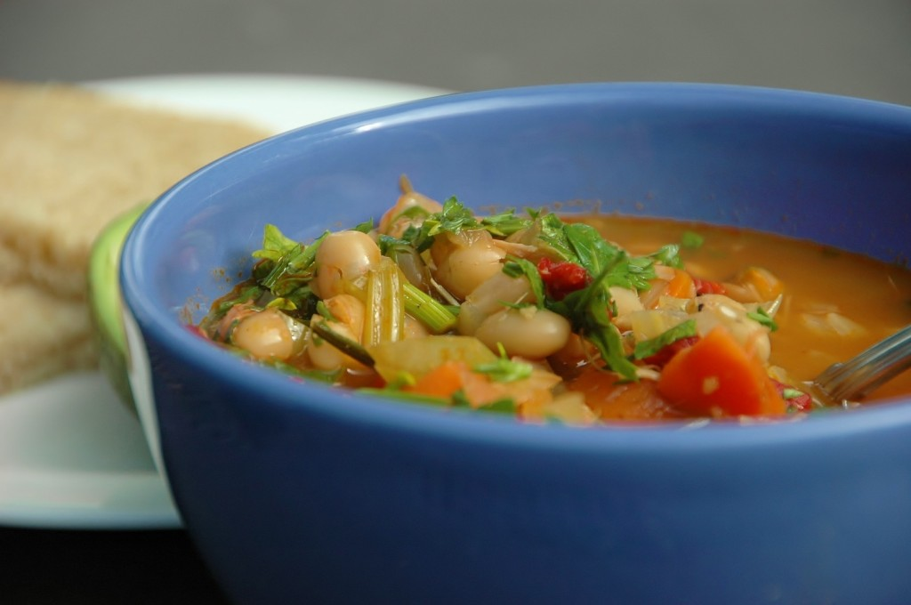 white bean and capsicum soup