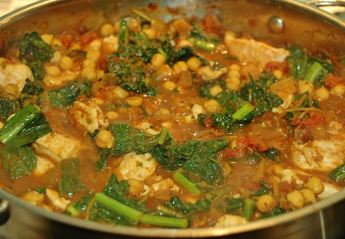 chicken chickpea and cavalo nero curry