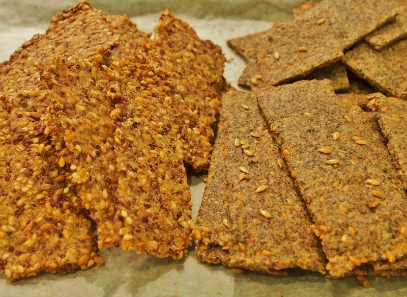 Linseed Crackers to serve with the hommus