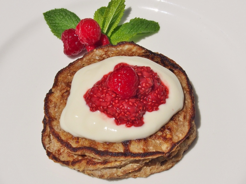 banana oat and chia pancakes
