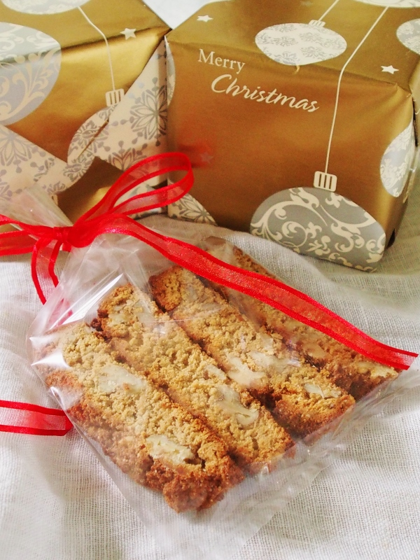 coconut maple walnut biscotti