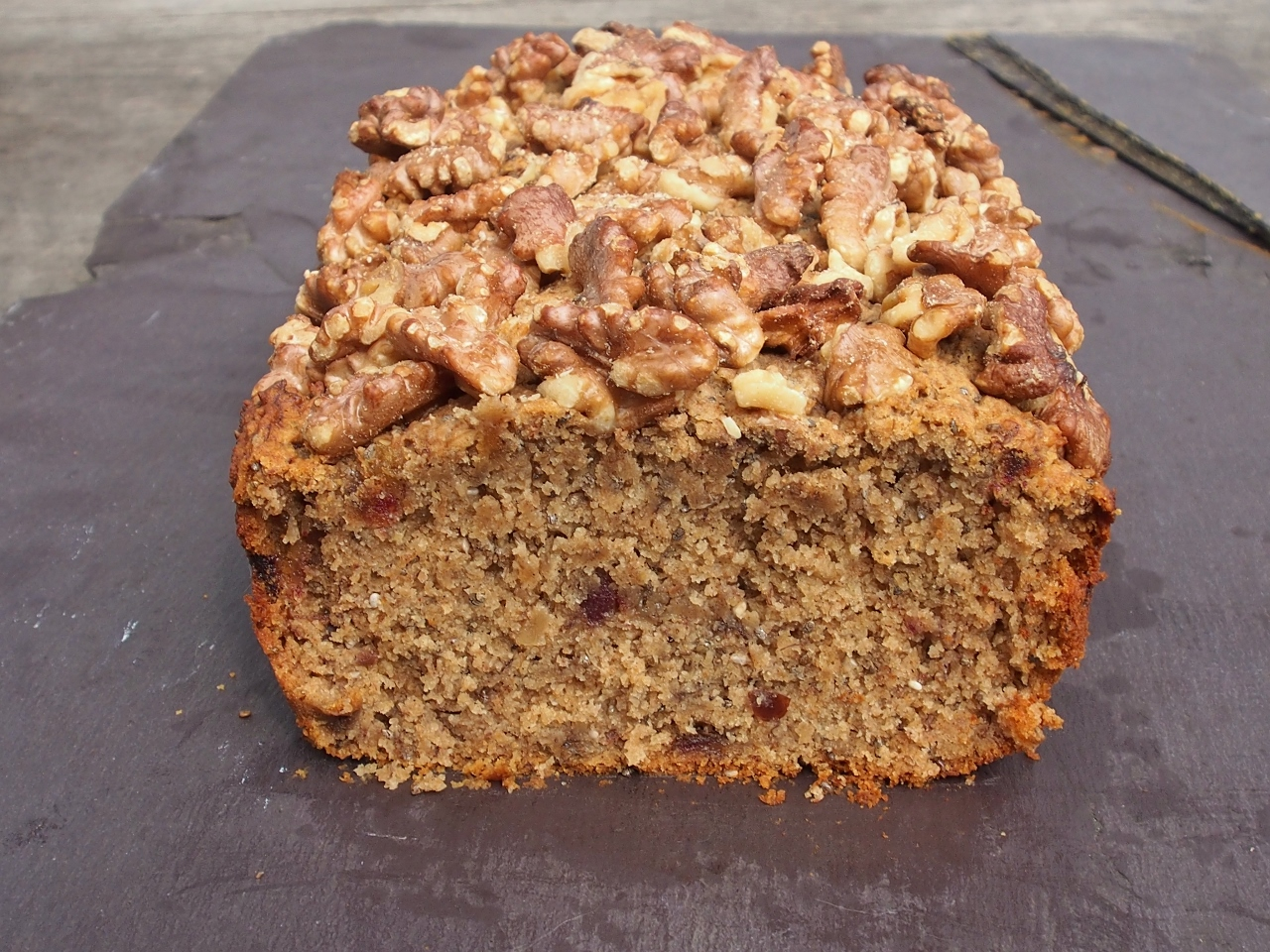 banana date and walnut loaf
